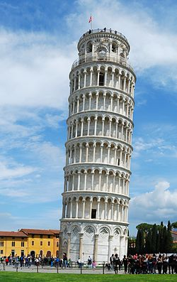 Leaning_Tower_of_Pisa_(April_2012)